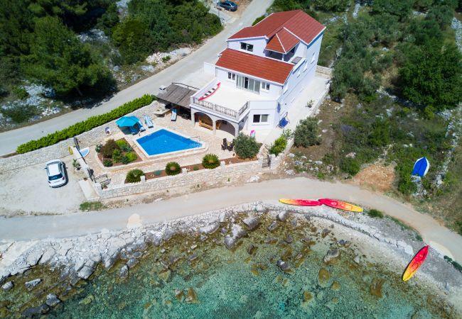 Villa/Dettached house in Grscica - Villa Jackson Grscica